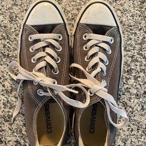 Women's converse shoes 6.5 Low tops